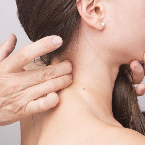 Massaggio decontratturante cervicale Roma prati
